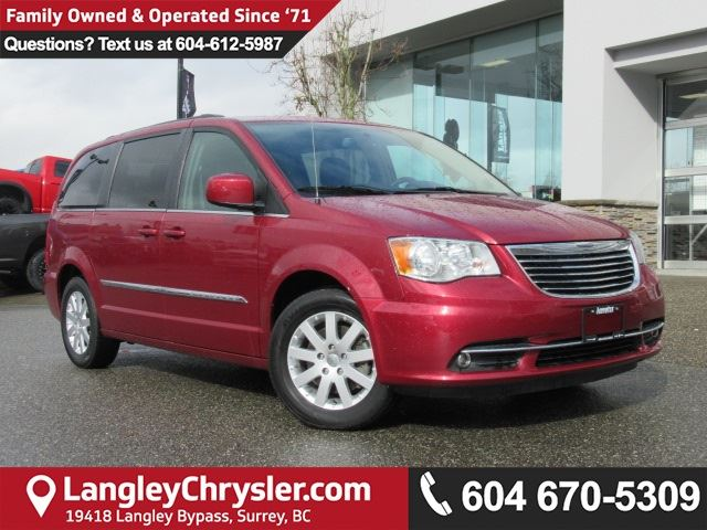2016 CHRYSLER TOWN AND COUNTRY Touring <B>*2nd Row STOW 'N GO*6.5 Touchscreen*<b> in Surrey, British Columbia