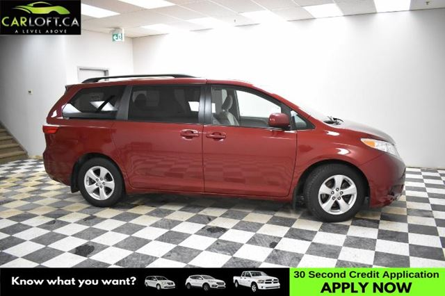 2015 TOYOTA SIENNA LE - BACKUP CAM *HEATED FRONT SEATS * POWER DRIVER in Kingston, Ontario