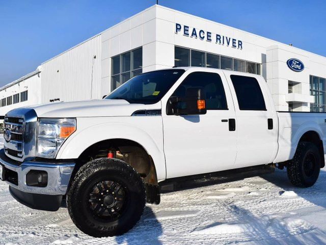 2011 FORD F-250 XLT 4x4 SD Crew Cab 6.75 ft. box 156 in. WB in Peace River, Alberta