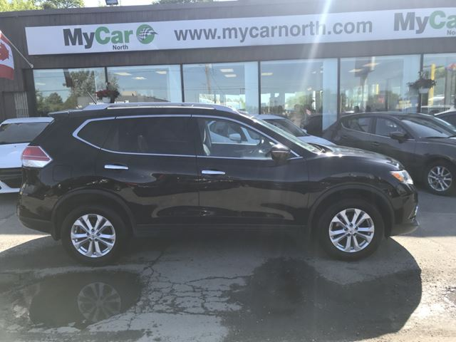 2014 NISSAN ROGUE SV SV AWD, PANORAMIC SUNROOF in North Bay, Ontario