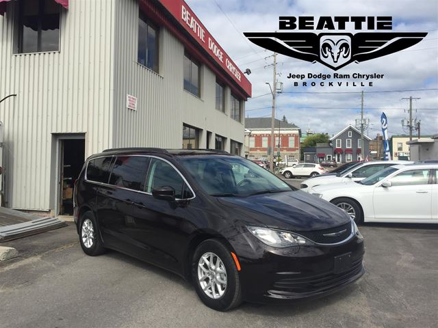 2017 CHRYSLER PACIFICA Touring TOW PACKAGE/ CAMERA/ BLUETOOTH in Brockville, Ontario