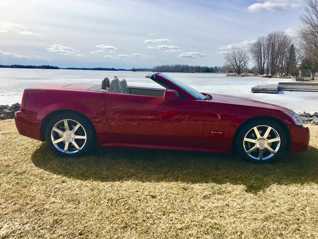 2004 Cadillac XLR NOT A MISPRINT, ONLY 11633 km in Perth, Ontario