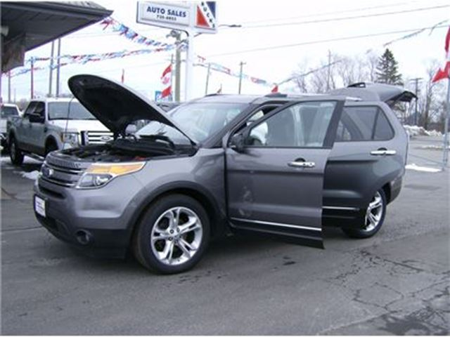 2013 FORD Explorer LIMITED EDITION ALL WHEEL DRIVE!! in Welland, Ontario