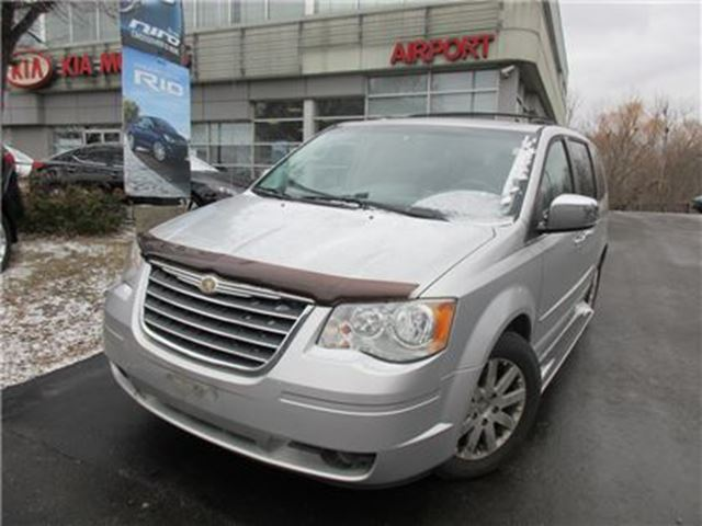 2008 CHRYSLER TOWN AND COUNTRY Touring in Mississauga, Ontario