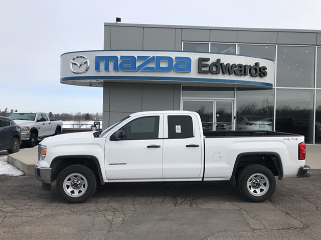 2015 GMC SIERRA 1500 Base in Pembroke, Ontario