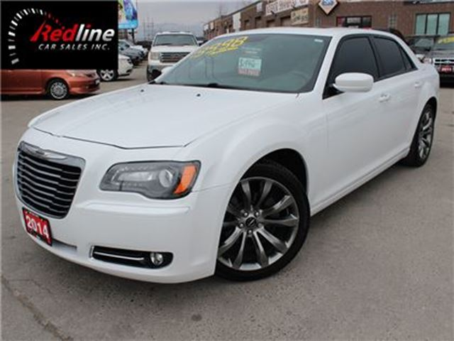 2014 CHRYSLER 300 S AccidentFree Nav-Camera in Hamilton, Ontario