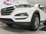 2018 Hyundai Tucson SE AWD with heated seats, back up cam and sparkling white colour in Edmonton, Alberta