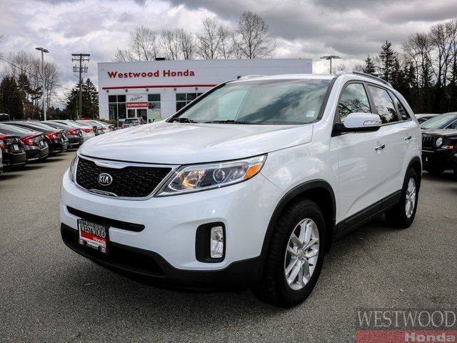 2015 KIA SORENTO LX in Port Moody, British Columbia