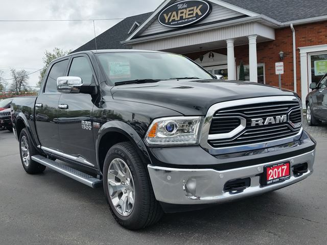 2017 Dodge RAM 1500 Limited 4x4, Leather Heated/Vented Seats, NAV, Sunroof, Air Suspension, Remote Start in Paris, Ontario