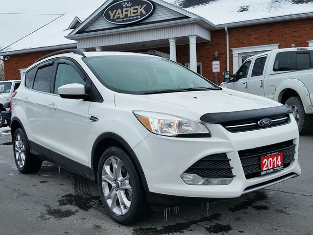 2014 Ford Escape SE 4WD, Pano Roof, Heated Seats, Back Up Cam in Paris, Ontario