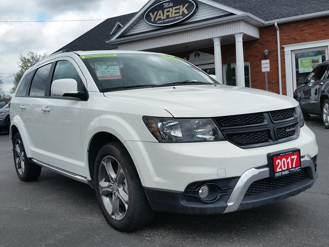2017 Dodge Journey Crossroad AWD, 7 Pass., NAV, DVD, Leather Heated Seats, Sunroof, Back Up Cam in Paris, Ontario