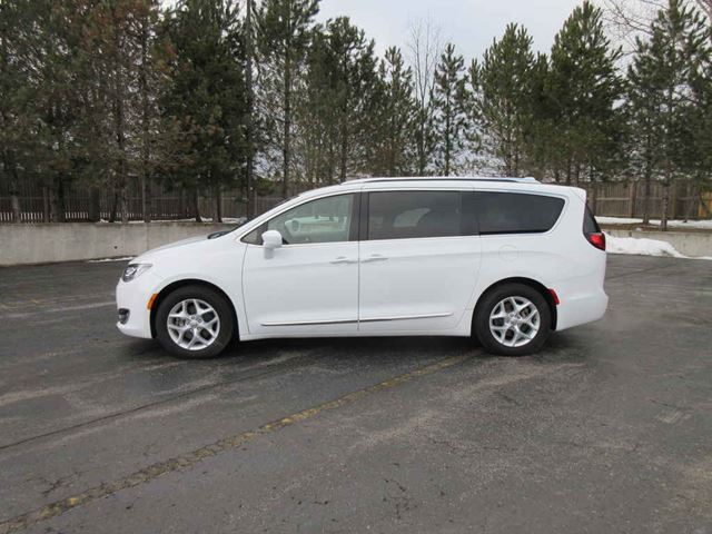 2017 CHRYSLER PACIFICA TOURING L PLUS in Cayuga, Ontario