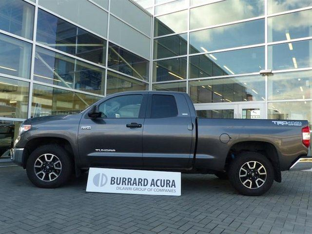 2015 TOYOTA Tundra 4X4 Dbl Cab SR5 Long Bed 5.7 6A in Vancouver, British Columbia