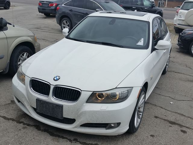 2011 BMW 3 Series 328i xDrive Classic Edition in Etobicoke, Ontario