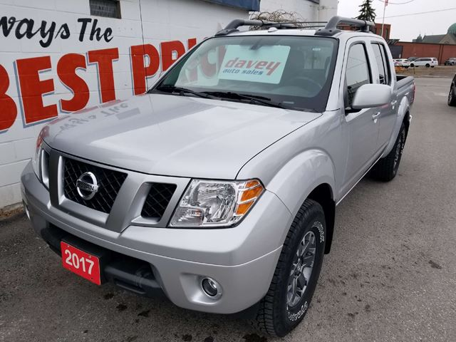 2017 NISSAN FRONTIER PRO-4X 4X4, CREW CAB, BACK UP CAMERA in Oshawa, Ontario