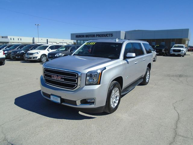 2017 GMC YUKON XL SLT in Exeter, Ontario