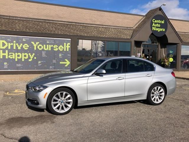 2017 BMW 3 SERIES 320i xDrive / awd / navigation / sunroof in Fonthill, Ontario