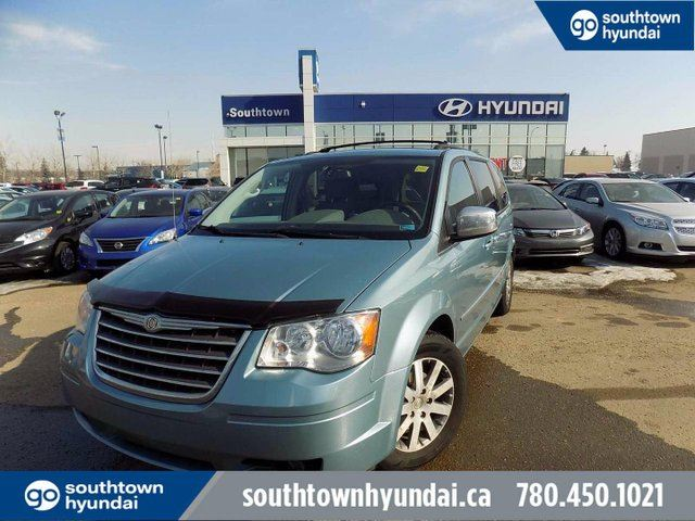 2009 CHRYSLER TOWN AND COUNTRY TOURING/BACKUP CAM/POWER SLIDING DOOR & LIFTGATE in Edmonton, Alberta