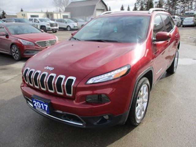 2017 JEEP CHEROKEE LOADED LIMITED EDITION 5 PASSENGER 3.2L - V6..  in Bradford, Ontario