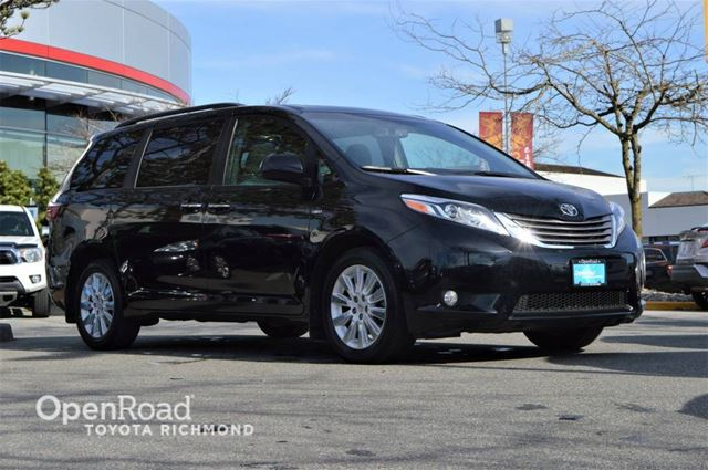 2016 TOYOTA SIENNA XLE, Smart Key, Navigation, Heated front seats, in Richmond, British Columbia