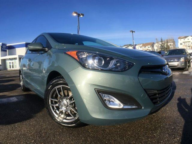 2014 HYUNDAI ELANTRA GLS - MANUAL, PANORAMIC SUNROOF, BLUETOOTH in Calgary, Alberta