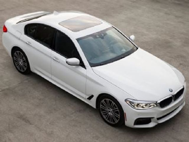 2018 BMW 5 SERIES 530i xDrive /Premium Package Essential in Mississauga, Ontario