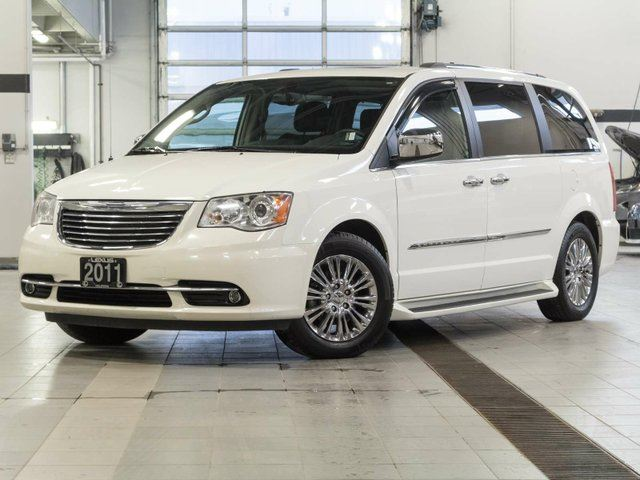 2011 CHRYSLER TOWN AND COUNTRY Limited w/Summer and Winter Tires in Kelowna, British Columbia