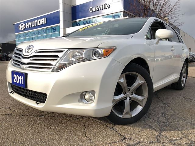 2011 Toyota Venza 3.5L  AWD  PAN ROOF  LEATHER  NO ACCIDENT in Oakville, Ontario