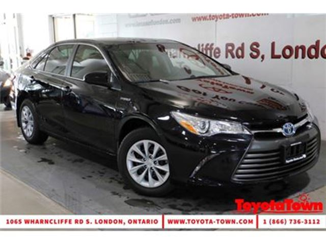 2017 TOYOTA CAMRY Hybrid SINGLE OWNER LE in London, Ontario