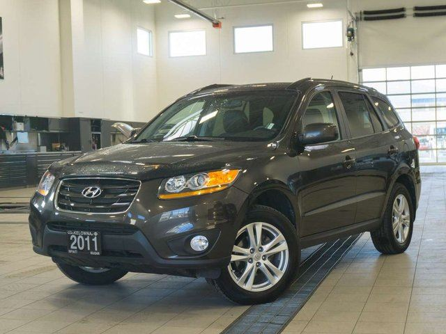 2011 HYUNDAI SANTA FE 3.5L GL w/Sport Package AWD in Kelowna, British Columbia