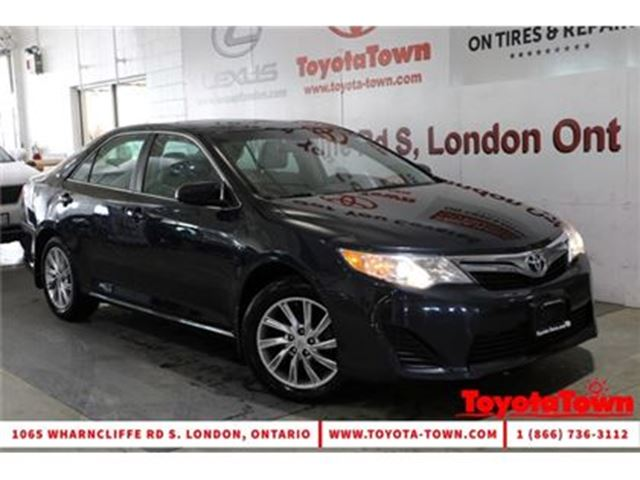 2014 TOYOTA CAMRY LE VALUE PACKAGE MOONROOF ALLOY WHEELS in London, Ontario