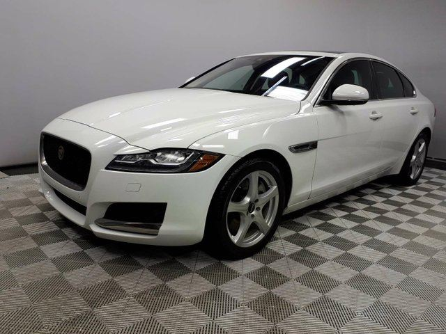 2017 JAGUAR XF 35t Prestige - 4yr/80000kms manufacturer warranty included until March 31, 2021! Locally Owned and Driven | Executive Demo | Navigation | Back Up Camera | Parking Sensors | Heated Steering Wheel | Heated Front Seats | Dual Zone Climate Control with A in Edmonton, Alberta