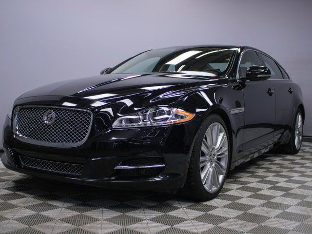 2011 JAGUAR XJ SERIES XJ XJL - Local Alberta Vehicle | No Accidents | Rear Sunshades | Bluetooth | Blind Spot Monitor | Heated/Cooled Front/Rear Seats | Massage Seats | Suede Headliner | Heated Steering Wheel | Heated Windshield with Rain Sensing Wipers | Adaptive Headlamps  in Edmonton, Alberta