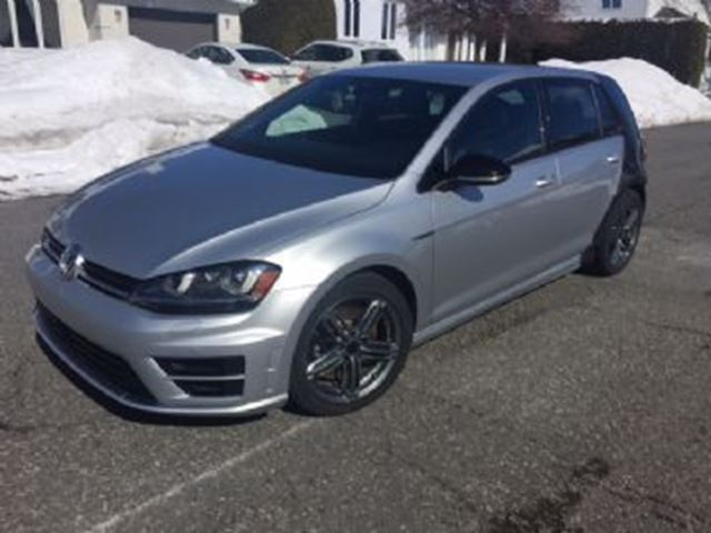 2017 VOLKSWAGEN R32 AWD Tech Pack + 19 inch Pretoria Mags in Mississauga, Ontario