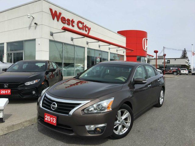 2013 NISSAN ALTIMA 2.5,LEATHER,HEATED SEATS,SUNROOF! in Belleville, Ontario