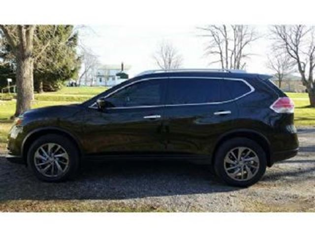 2016 NISSAN ROGUE SL AWD FULLY LOADED + Replacement Warranty in Mississauga, Ontario