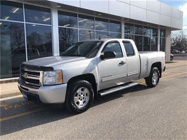 2011 CHEVROLET SILVERADO 1500 LT in Windsor, Ontario