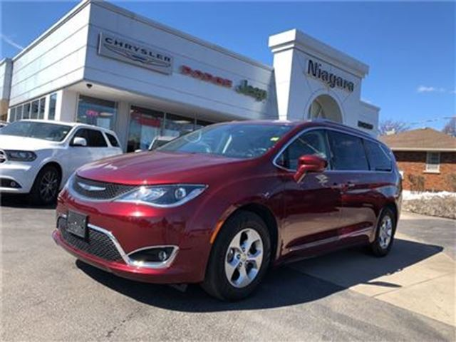 2017 CHRYSLER PACIFICA TOURING LEATHER,NAV,8 PASSENGER,HTD SEATS in Niagara Falls, Ontario