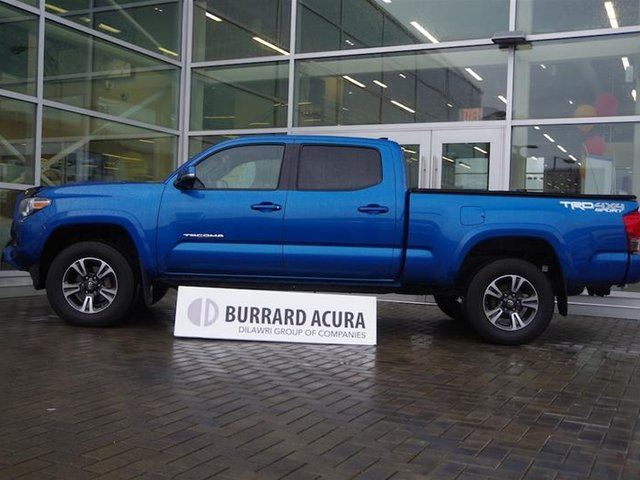 2017 Toyota Tacoma 4x4 Double Cab V6 SR5 6A in Vancouver, British Columbia
