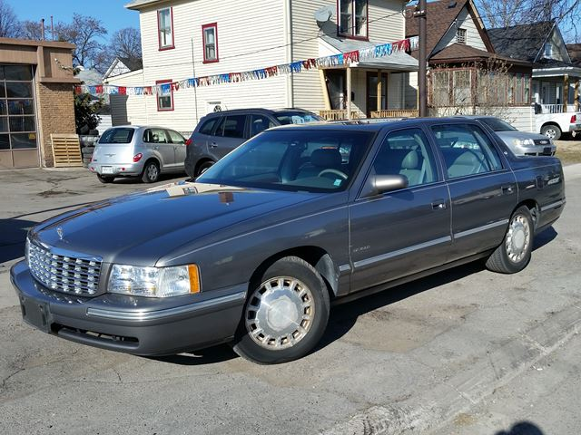 1999 CADILLAC DEVILLE           in St Catharines, Ontario