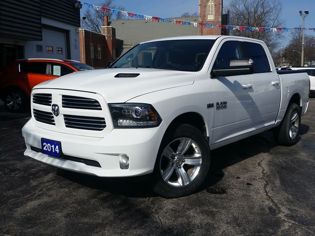 2014 Dodge RAM 1500 Sport 4x4,LEATHER,SUNROOF,NAVIGATION,CHROME WHEELS, FULL LOAD ! in Dunnville, Ontario