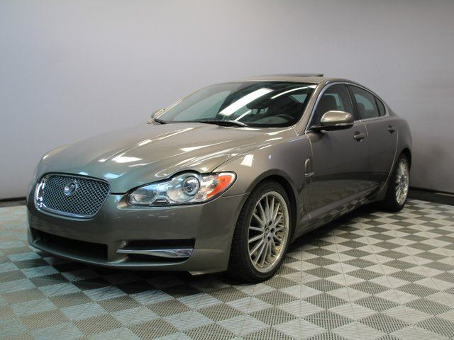 2011 JAGUAR XF Luxury RWD - Local One Owner Trade In | 3M Protection Applied | 2 Sets of Rims and Tires Included | 385 Horsepower | Bluetooth | Power Seats with Memory | Navigation | Heated Steering Wheel | Power Sunroof | Heated Windshield with Rain Sensing Wipers in Edmonton, Alberta