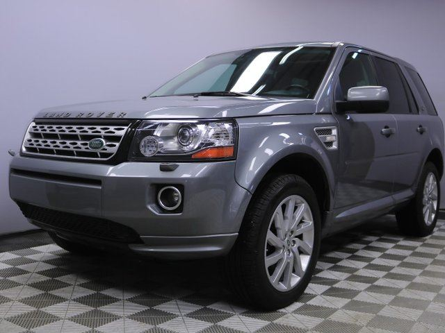 2013 LAND ROVER LR2 SE - Local Canadian Leaseback | No Accidents | Low KMs | Media Screen | Parking Sensors | Heated Windshield with Rain Sensing Wipers | Heated Front Seats | Heated Steering Wheel | 19 Inch Wheels | Meridian Sound System | Bluetooth | Power Sunroof | V in Edmonton, Alberta