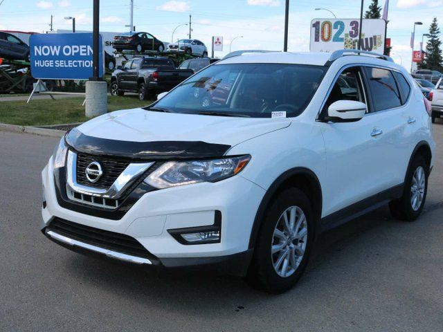 2017 NISSAN Rogue SV , AWD, REVERSE CAMERA, POWER SEAT in Edmonton, Alberta