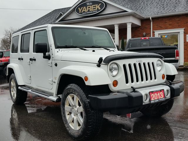 2013 JEEP WRANGLER Unlimited Sahara 4x4 Hardtop Convertible, Remote Start, NAV, Leather Heated Seats, Bluetooth in Paris, Ontario