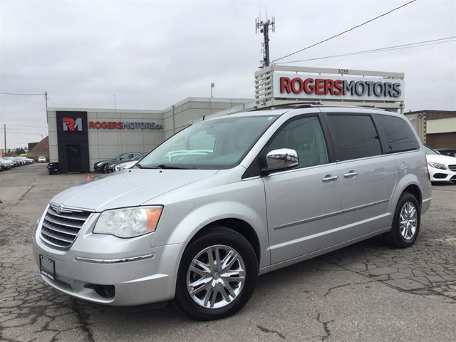 2010 CHRYSLER TOWN AND COUNTRY LTD - NAVI - DUAL DVD - LEATHER - SUNROOF in Oakville, Ontario