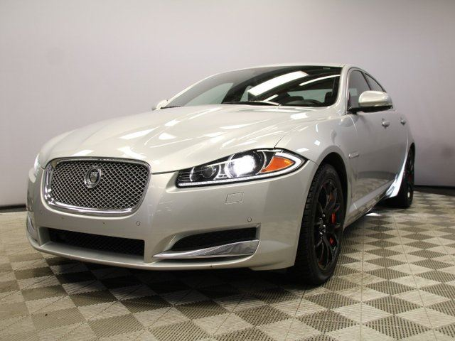 2013 JAGUAR XF 3.0L AWD Portfolio - Local Edmonton Trade In | 2nd Owner | No Accidents | Navigation | Back Up Camera | Parking Sensors | Power Sunshade | Bluetooth | Blind Spot Monitor | Softgrain Leather | Suede Headliner | Heated Steering Wheel | Power Sunroof |  in Edmonton, Alberta