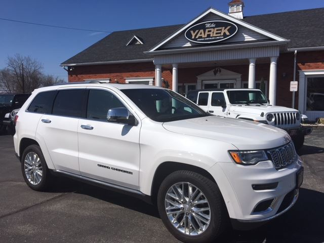 2018 JEEP GRAND CHEROKEE Summit 4x4, Loaded, NAV, Leather Heated/Vented Seats, Pano Roof, Adaptive Cruise in Paris, Ontario