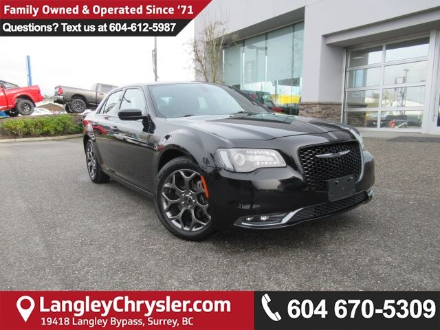 2015 CHRYSLER 300 S <b>*AWD*LOW KMS!*NAVIGATION*8.4 TOUCHSCREEN MEDIA*<b> in Surrey, British Columbia