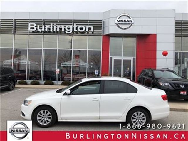 2013 VOLKSWAGEN JETTA SUNROOF, HEATED SEATS, ACCIDENT FREE ! in Burlington, Ontario